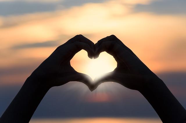 Objawy zawału serca u kobiet - kiedy zgłosić się do lekarza?